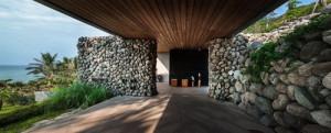 desain-rumah-kontemporer-dengan-dinding-batu-2