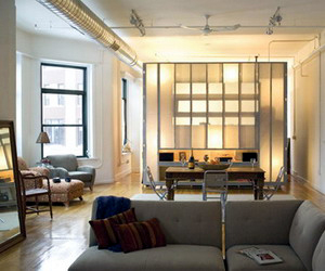 Di Rumah Mungil Ruang Tamu Tentu Juga Berukuran Karenanya Jangan Memenuhi Dengan Furniture Cukup Sediakan Sofa Dua Dudukan Two