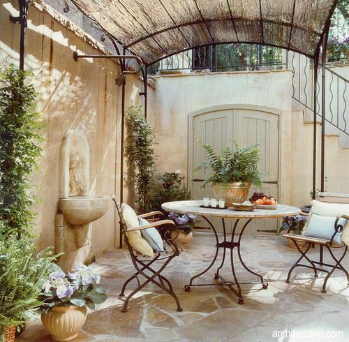 desain teras patio bergaya perancis 2